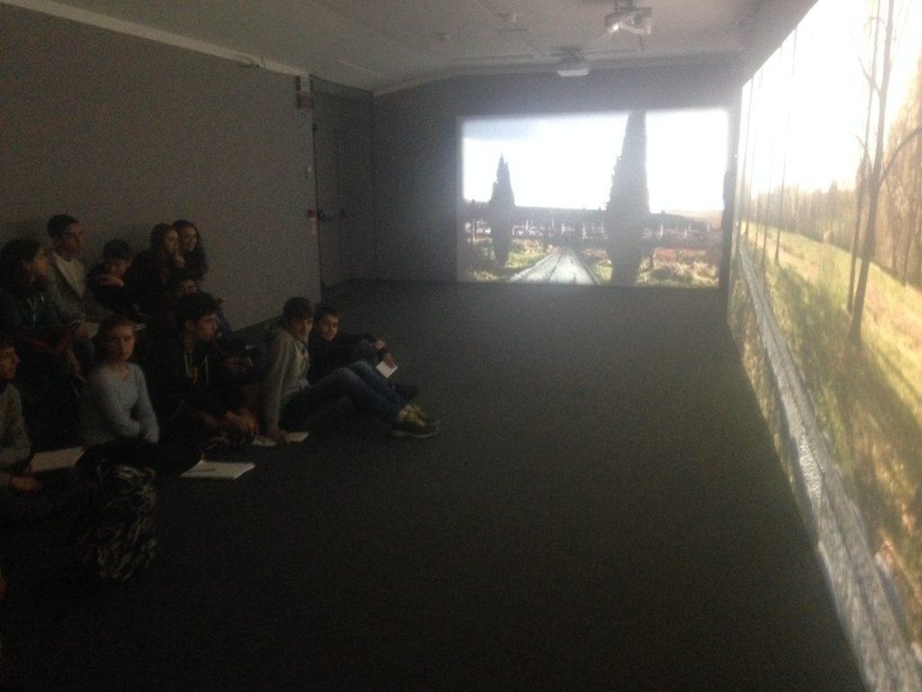 Proiezione immersiva con una classe